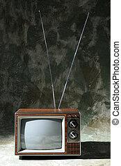 TV, Årgång