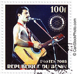 BENIN - CIRCA 2003 : Stamp printed in Benin shows Freddie...