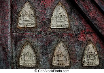 Amulet, small buddha image