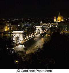 Budapest Chain Bridge night view - Hungarian landmark,...