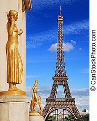 Trocadero - Gilded statues on Trocadero and Eiffel Tower in...