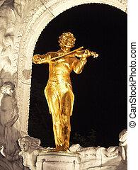 Johan Strauss statue in Vienna
