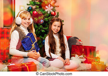 Santa is coming tonight - Two sisters preparing Christmas...