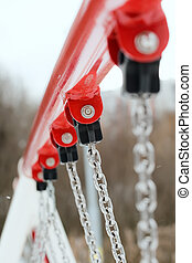Fixing chain to crossbar swing - Fixing chain to crossbar of...