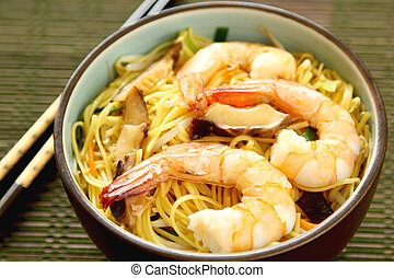 Stir fried egg Noodle with prawn