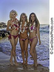 three girls at a Hawaii beach