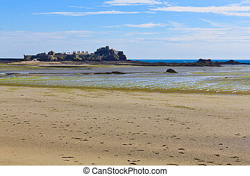 Elizabeth Castle, Saint Helier Harbour, Jersey, The Channel...