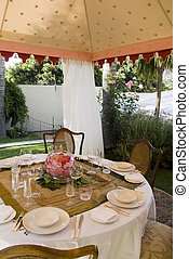 Outside lunch tent - Party lunch, wedding or dinner tent in...