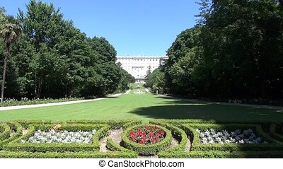 Madrid Royal Palace gardens 30 - public garden free access...