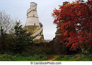 Wonderful Barn tower in Ireland - Wonderful Barn - round...