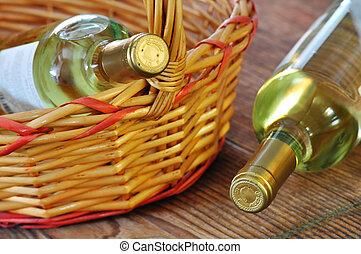 botellas, dos, blanco, vino, multa, italiano