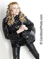 retrato, posición, mujer, negro, ropa, bolso