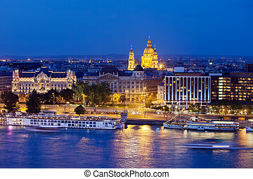 Budapest at Night - Night scene of the Budapest city in...