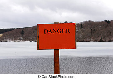 Warning sign - Information sign, thin iceu2026