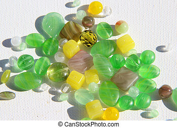 Mix of beads - Big mix of green and yellow beads