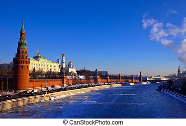 Moscow Kremlin and Moskva River in winter - Kind to the...