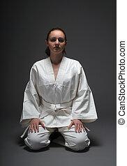 niña, blanco, kimono, tradicional, postura, Aikido