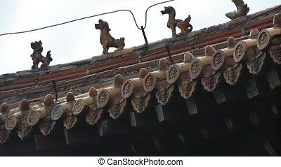 sculpture on roof eaves,China