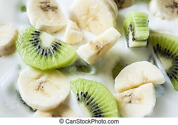 kiwi and banana yogurt
