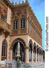 A vertical side view Ringling house