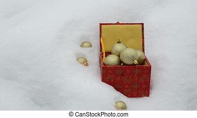 xmas toy fall snow