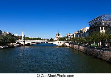 Notre Dame de Paris, view across the Seine River