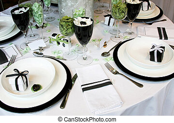 Wedding table - Round wedding table with lot of decorations