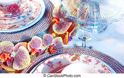 party table with decorative flowers
