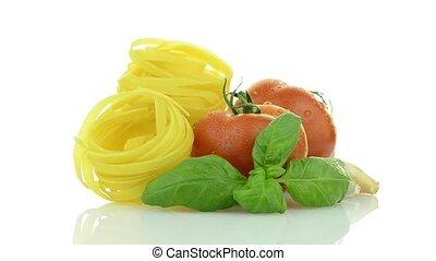 Cherry tomatoes, garlic and pasta