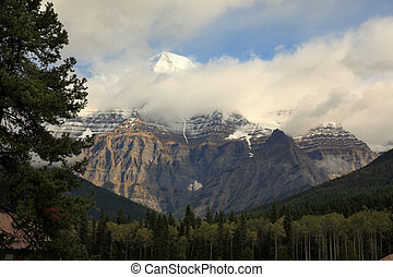 mount robson, British Columbia - Mount Robson, British...