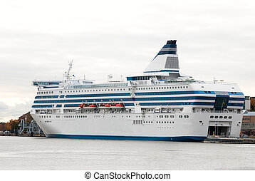 Cruise liner. - Cruise ship in the port of Helsinki....