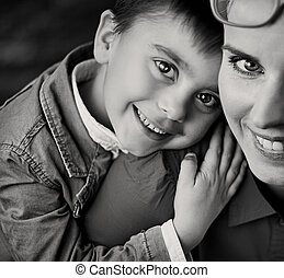 alegre, niño, Abrazar, el suyo, orgulloso,...