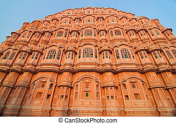 hawa mahal, landmark of pink city jaipur in india