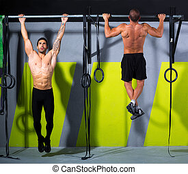 Cross fit toes to bar men pull-ups 2 bars workout