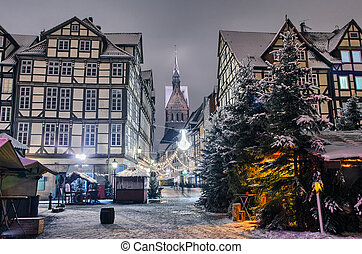 Old city of Hannover in the winter - Marktkirche and old...