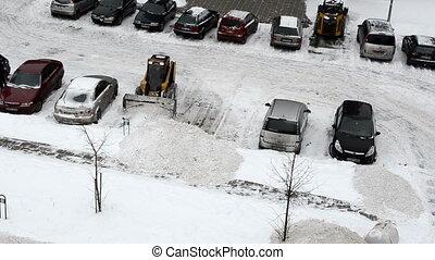 lantern snow clean car
