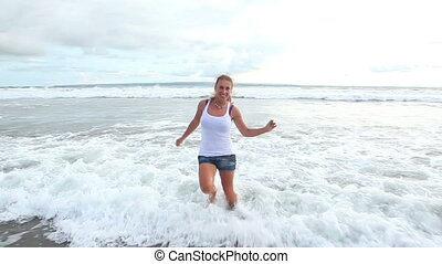 happiness in the sea waves