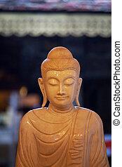 Budas, estatua