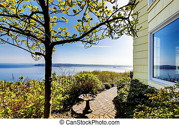 House with amazing water view - Small yellow House amazing...