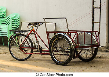 Trishaw. - Pedal tricycle for cargo market.