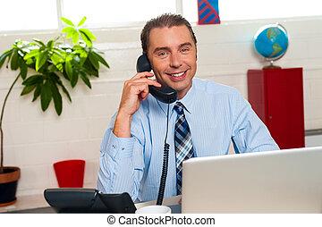 sonriente, director, medio, empresa / negocio, interacciones