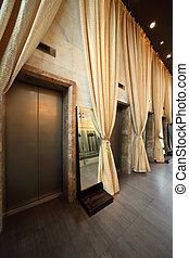 plusieurs, portes, ascenseurs, long, jaune, rideaux, vide,...