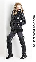 posición, mujer, Llevando, negro, ropa, negro, botas