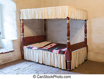 Antique four poster bed - Traditional four poster bed with...
