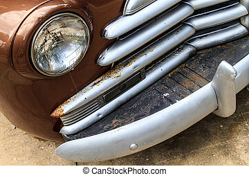 Oldtimer front grill and headlamp details