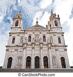 Estrela Basilica - View of the main facade of the Estrela...