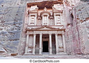facade of the treasury in petra
