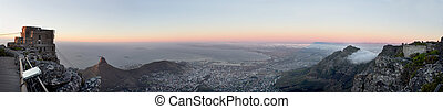 Table Mountain Panorama - A panoramic view over Cape Town...
