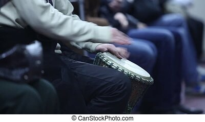 play the drum hands - drummer in the subway