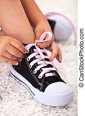 criança, laços, sapato, -, closeup